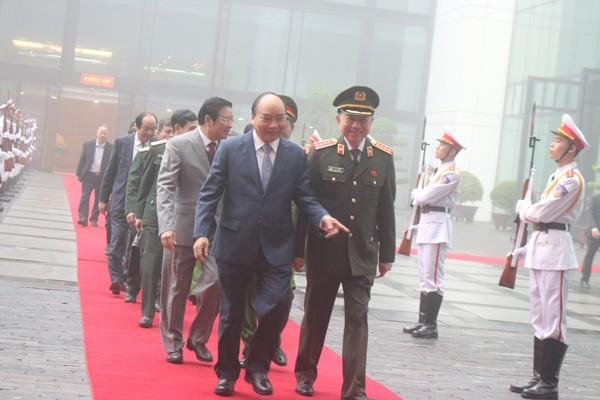 Thủ tướng Chính phủ Nguyễn Xuân Phúc chúc mừng những thành tích trong công tác chiến đấu, xây dựng lực lượng của lực lượng CAND trong năm 2019