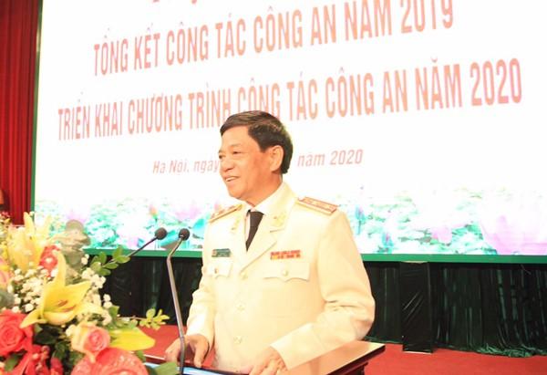 Trung tướng Đoàn Duy Khương phát biểu khai mạc và thông báo nhanh kết quả Hội nghị Công an toàn quốc lần thứ 75