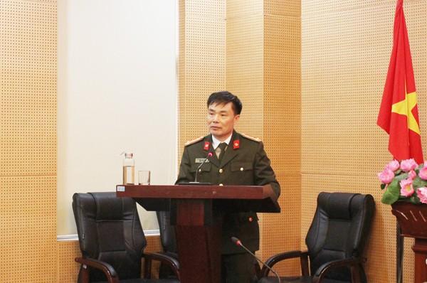 Đại tá Đỗ Anh Tuấn, Phó Cục trưởng Cục An ninh mạng và phòng chống tội phạm công nghệ cao (Bộ Công an) phát biểu tại hội nghị