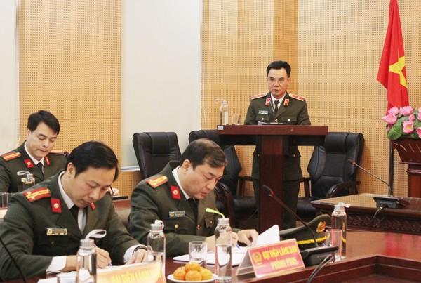 Thiếu tướng Nguyễn Anh Tuấn, Phó Giám đốc CATP phát biểu tại hội nghị