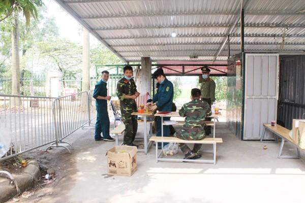 Một chốt tại khu cách ly trường Cao đẳng nghề công nghệ cao Hà Nội