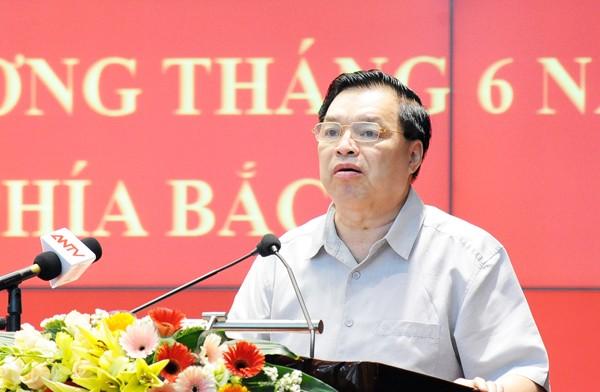 Ông Lê Mạnh Hùng, Phó trưởng ban Tuyên giáo Trung ương thông tin về công tác tuyên truyền trong tháng 6