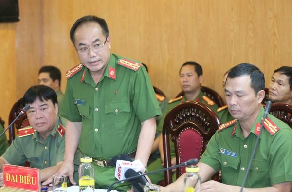 Đại tá Nguyễn Thanh Tùng, Phó Giám đốc CATP Hà Nội trả lời câu hỏi của phóng viên về việc liên quan đến ông Lê Thanh Thản