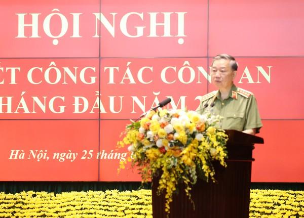 Đại tướng Tô Lâm, Ủy viên Bộ Chính trị, Bộ trưởng Bộ Công an tiếp thu ý kiến chỉ đạo của Thủ tướng Chính phủ
