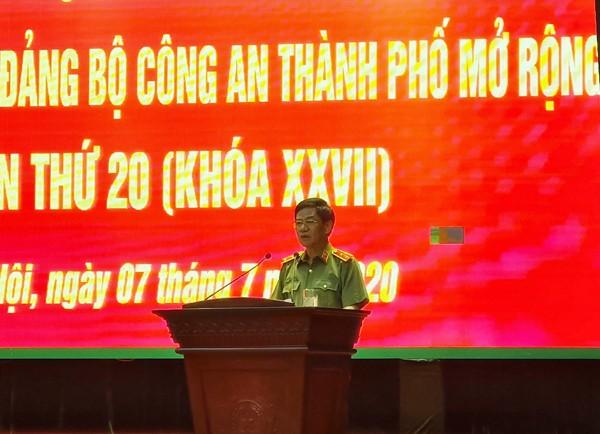 Trung tướng Đoàn Duy Khương, Ủy viên Ban Thường vụ Thành ủy, Bí thư Đảng ủy, Giám đốc Công an thành phố chủ trì , phát biểu tại hội nghị