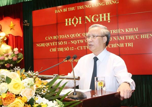 Đồng chí Trần Quốc Vượng, Ủy viên Bộ Chính trị, Thường trực Ban Bí thư Trung ương Đảng phát biểu chỉ đạo tại Hội nghị