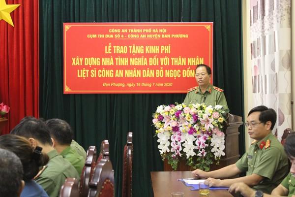 Thiếu tướng Đoàn Ngọc Hùng, Phó Giám đốc CATP phát biểu tại buổi lễ