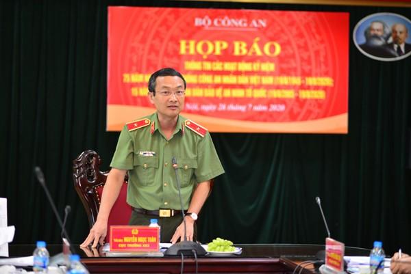 Thiếu tướng Nguyễn Ngọc Toàn, Cục trưởng Cục Công tác Đảng và công tác chính trị chủ trì buổi họp báo