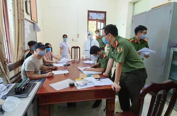 Phòng Quản lý xuất nhập cảnh phát hiện 2 đối tượng nhập cảnh trái phép qua đường tiểu ngạch vào cư trú tại huyện Quốc Oai