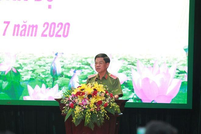 """Tân Giám đốc CATP Hà Nội - Thiếu tướng Nguyễn Hải Trung: """"Đoàn kết, thống nhất một lòng, tất cả vì sự nghiệp giữ vững an ninh trật tự của Thủ đô"""" ảnh 3"""