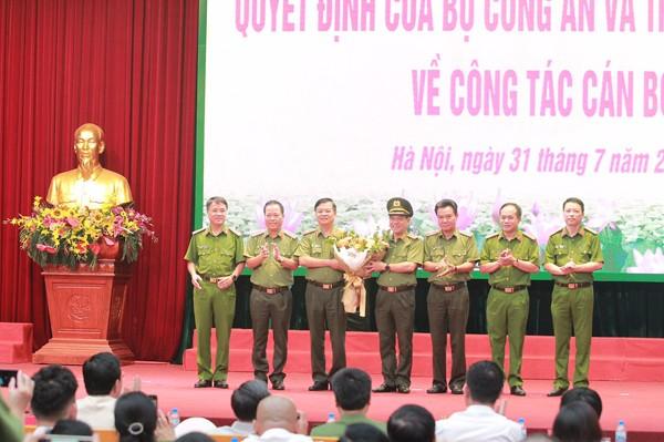 Đảng ủy Ban Giám đốc CATP chúc mừng Trung tướng Đoàn Duy Khương