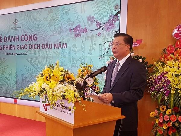 Bộ trưởng Bộ Tài chính Đinh Tiến Dũng phát biểu tại buổi lễ