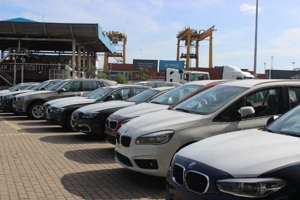 Không có chuyện phí trước bạ ô tô tăng tới 50%