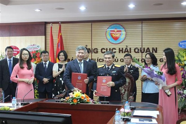 Tổng cục Hải quan ký thỏa thuận hợp tác nộp thuế điện tử với 5 ngân hàng