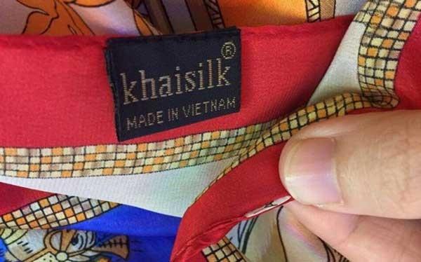 Cửa hàng Khaisilk 113 Hàng Gai đóng thuế theo diện hộ kinh doanh cá thể