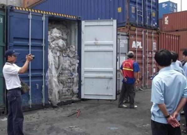 Hàng nghìn container phế liệu đang tồn đọng tại các cảng biển Việt Nam