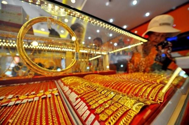 Giá vàng vẫn chưa thoát khỏi đà giảm, dù trong phiên hôm qua đã có lúc tăng khá mạnh