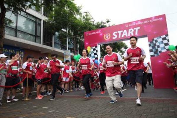 Sôi động giải chạy gây quỹ từ thiện của đoàn viên thanh niên Agribank