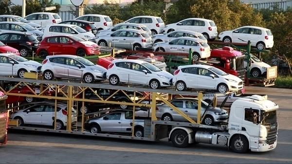Nhập khẩu ô tô tăng mạnh những tháng cuối năm