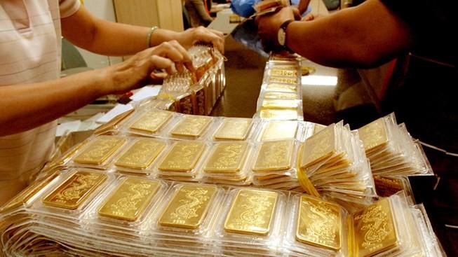 Giá vàng tiếp tục có một phiên tích cực khi đồng USD suy giảm