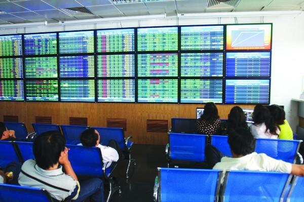 Thị trường chứng khoán Việt Nam đang có dấu hiệu phục hồi trở lại, tuy nhiên vẫn còn dễ tổn thương
