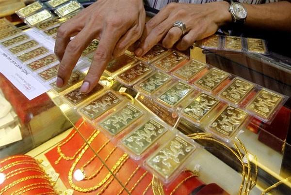 Giá vàng tăng mạnh trong bối cảnh đồng USD giảm giá