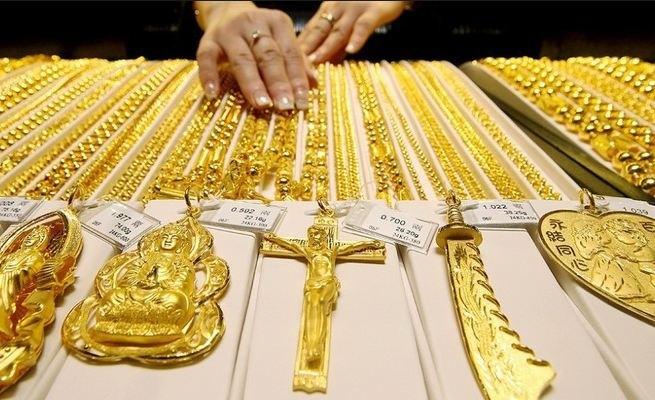 Giá vàng trong nước và thế giới đều xuyên thủng mức đáy của nhiều tháng