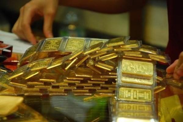 Giá vàng giảm mạnh trong phiên giao dịch cuối tuần