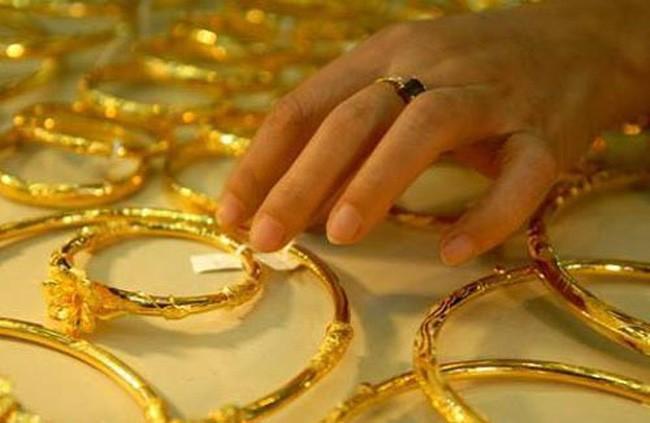 Giá vàng tiếp tục giảm trong phiên hôm nay