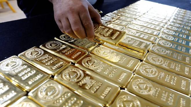 Giá vàng quay đầu giảm mạnh sau khi Fed hạ thấp kỳ vọng giảm lãi suất
