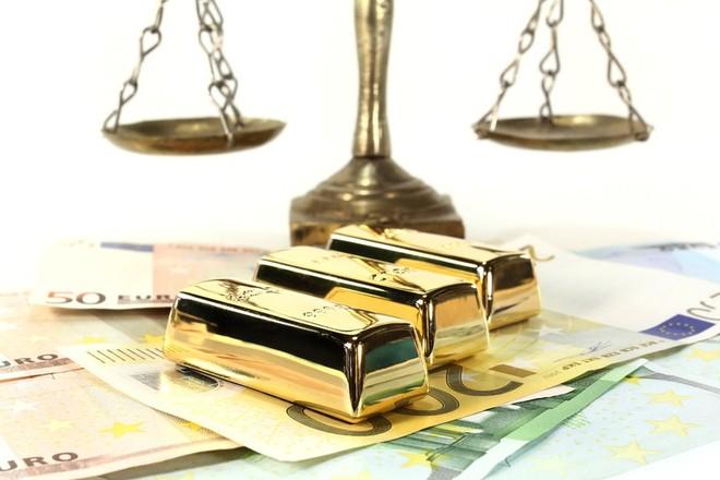 Chứng khoán, đô la Mỹ suy yếu giúp giá vàng phục hồi nhẹ
