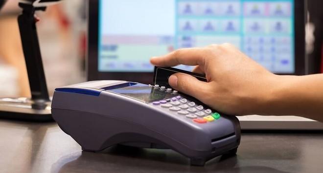 """Hoạt động thanh toán """"khống"""" thẻ tín dụng đang khá phổ biến"""