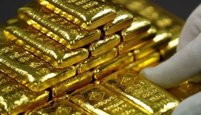Giá vàng thế giới biến động mạnh trong phiên hôm qua