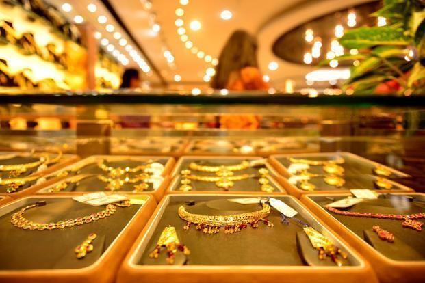 Giá vàng tăng sốc trong phiên giao dịch đầu tuần