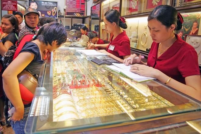 Giá vàng tăng mạnh trong phiên giao dịch đầu năm mới