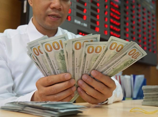 Tỷ giá USD liên tục tăng mạnh trong những phiên gần đây