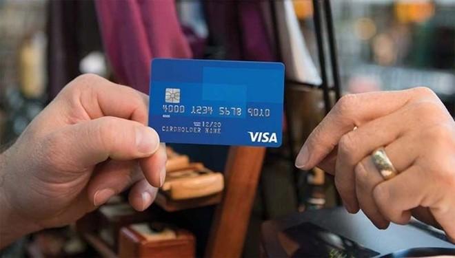 Mỗi giao dịch thẻ Visa, MasterCard tại Việt Nam đang chịu rất nhiều loại phí khác nhau