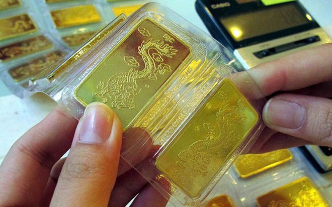 Giá vàng đang trong trạng thái lưỡng lự sau khi đạt mức cao nhất hơn 8 năm