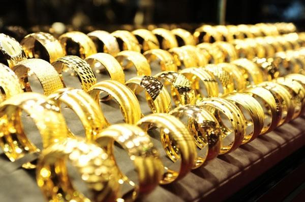 Giá vàng đang đứng khá vững trên đỉnh 9 năm