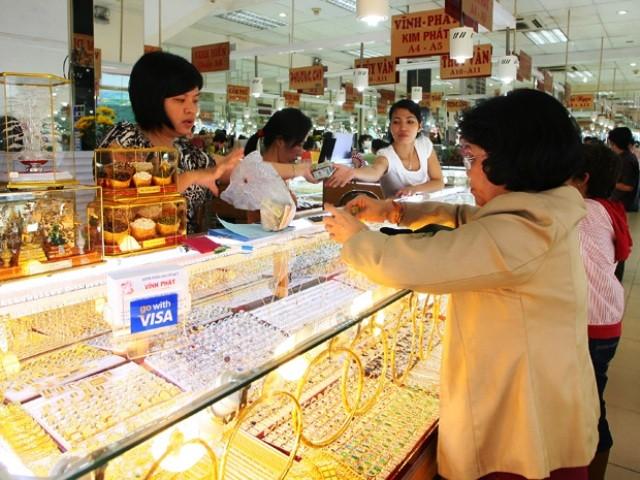 Giá vàng trong nước tiếp tục xô đổ kỷ lục trước đó