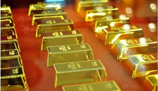 Dù các chuyên gia nhận định giá vàng đã quá cao và sẽ có một đợt điều chỉnh, nhưng kim loại này vẫn tăng mạnh