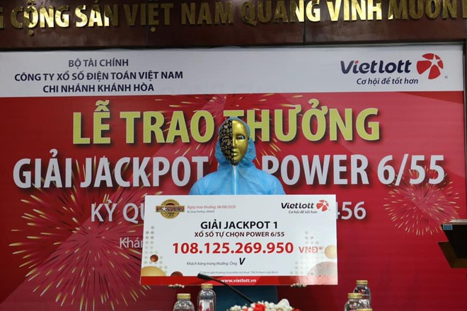 Ông V nhận giải thưởng hơn 108 tỷ đồng