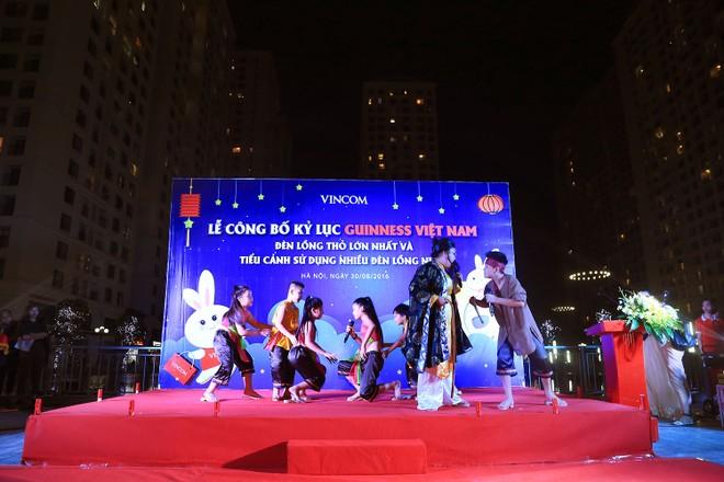 Thắp sáng đèn Thỏ khổng lồ Vincom đạt kỷ lục Guinness mùa Trung Thu 2016 ảnh 4