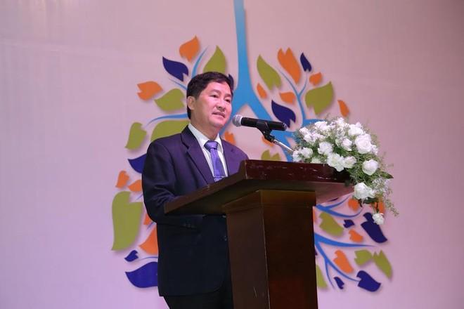 PGS.TS.BS Trần Văn Ngọc – Chủ tịch hội hô hấp TP.HCM phát biểu trao đổi