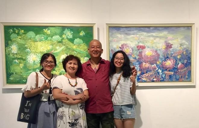 """Họa sĩ Vũ Tuyên: Khi 60 bức tranh này được ra mắt tại triển lãm """"An tâm"""", tôi cảm thấy hạnh phúc!"""