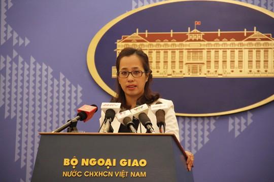 Phó Phát ngôn viên Bộ Ngoại giao Việt Nam Phạm Thu Hằng trả lời báo chí tại cuộc họp báo ngày 22-1