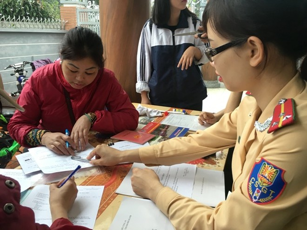 Niềm vui của nhân dân là động lực làm việc cho cán bộ chiến sỹ CAQ Hoàng Mai ảnh 6