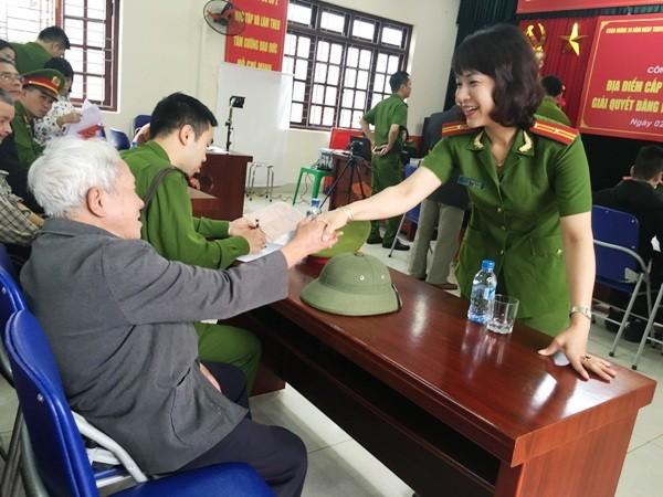 Niềm vui của nhân dân là động lực làm việc cho cán bộ chiến sỹ CAQ Hoàng Mai ảnh 9