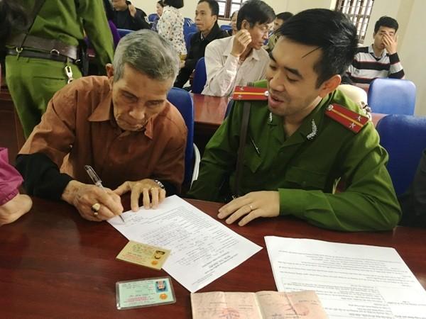Niềm vui của nhân dân là động lực làm việc cho cán bộ chiến sỹ CAQ Hoàng Mai ảnh 4