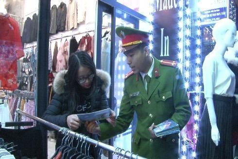 Việc tuyên truyền PCCC của CAQ Hoàng Mai đang được người dân đánh giá cao